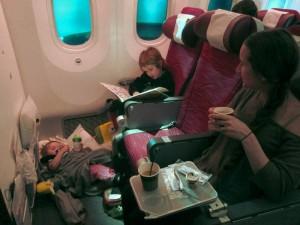 Roar oss på olika sätt på första flygetappen som går till Doha